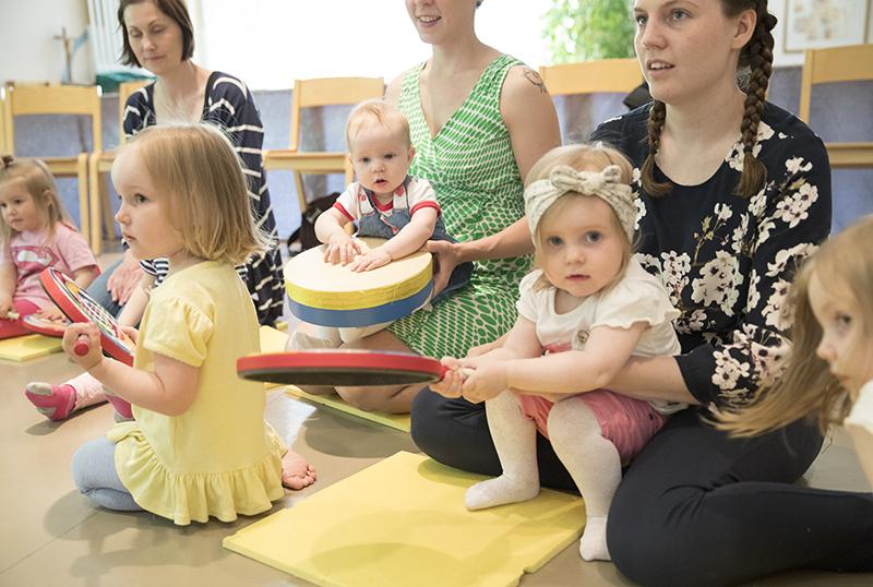 Lasten lauluillat alkavat Finlaysonin kirkossa